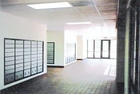 Box lobby2