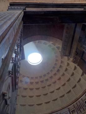 Pantheon Occulus